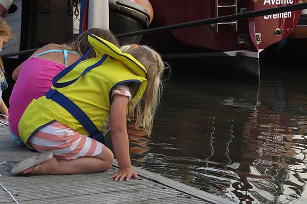 20150803-Baltrum-zeesterren-vangen